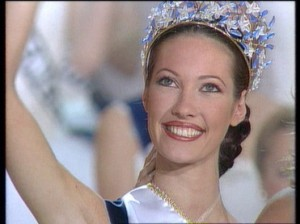 Miss France 1999  Mareva Galanter