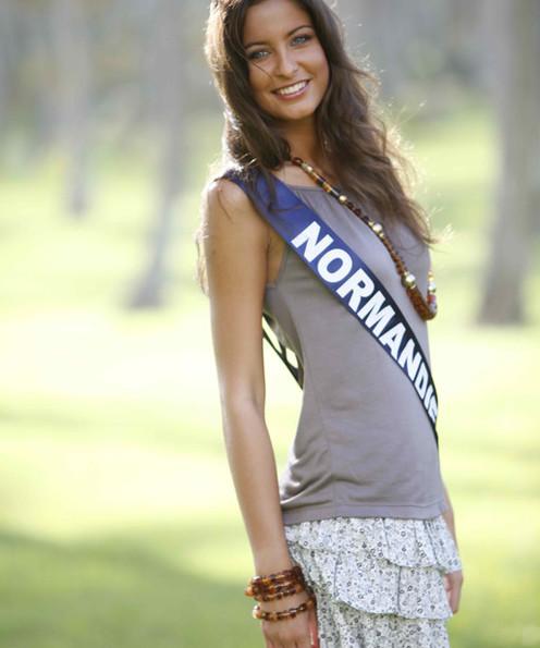 Miss Normandie 2009 bikini Menard Malika miss france
